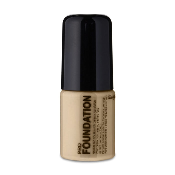 Stargazer Pro Creamy Liquid Foundation -Biscuit