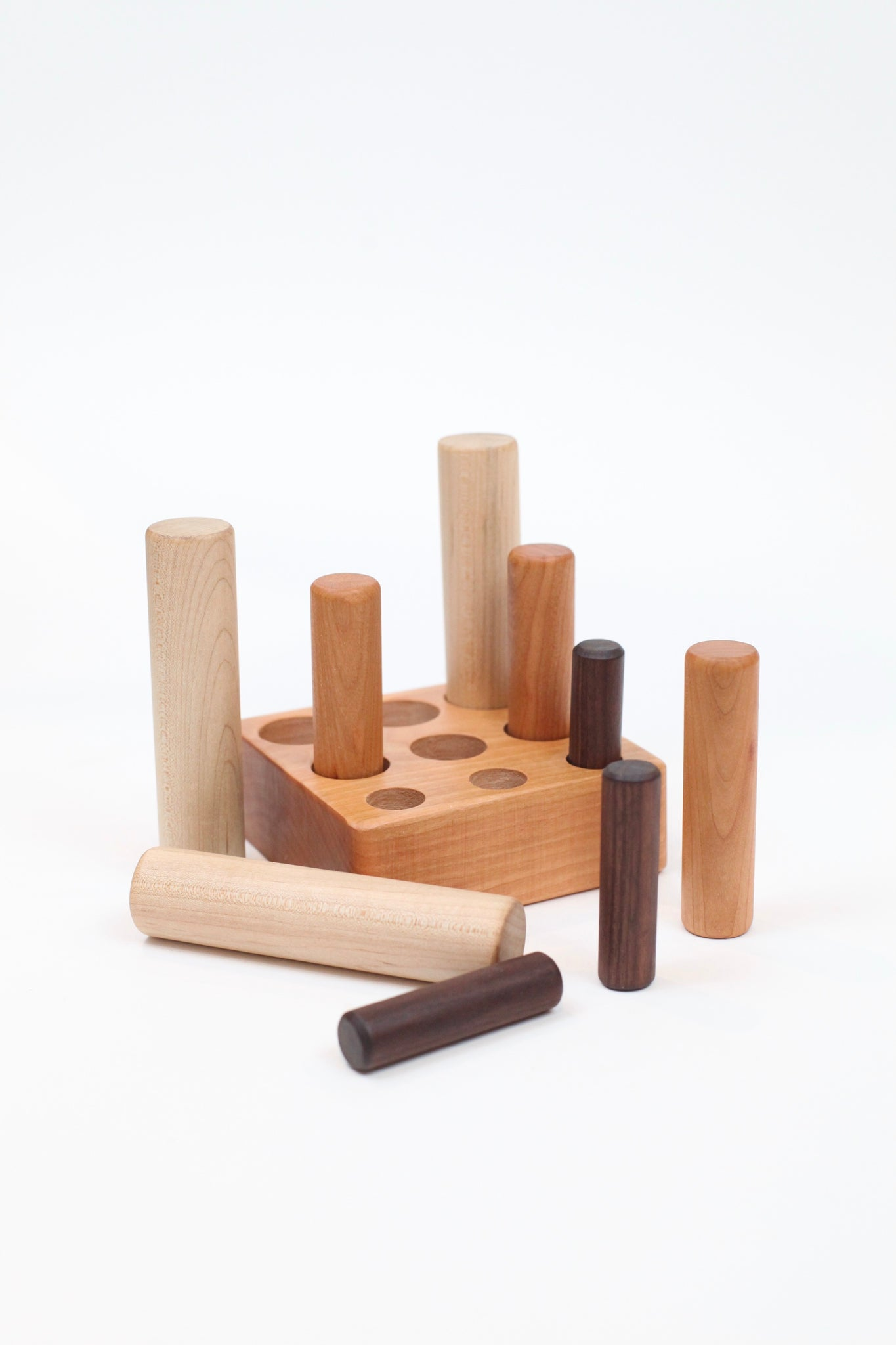 Montessori Size Discrimination Peg Toy