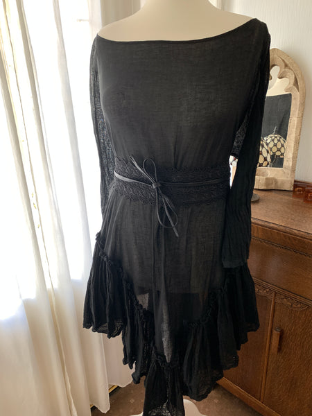 Ready to Ship Free Size Black Pointy Cotton Gauze Top