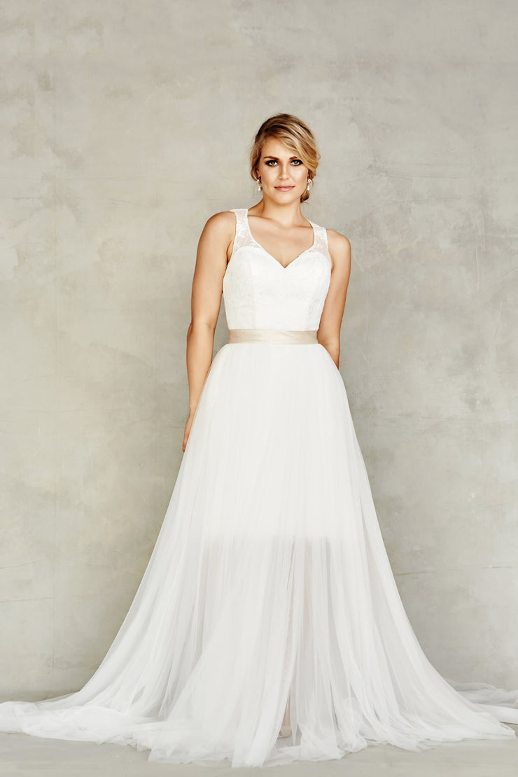 Dana Graham Style 4606  (In Store Only) - Chicago Bridal Store Company