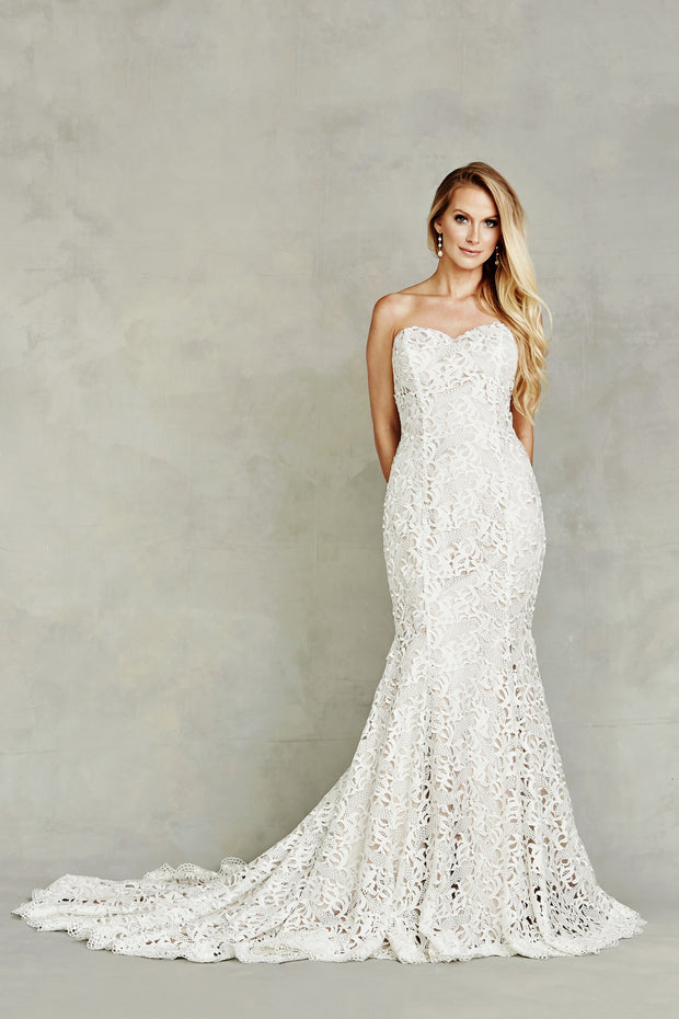 2018 Dana Graham Bridal Collection Style 4223 - Chicago Bridal Store Company
