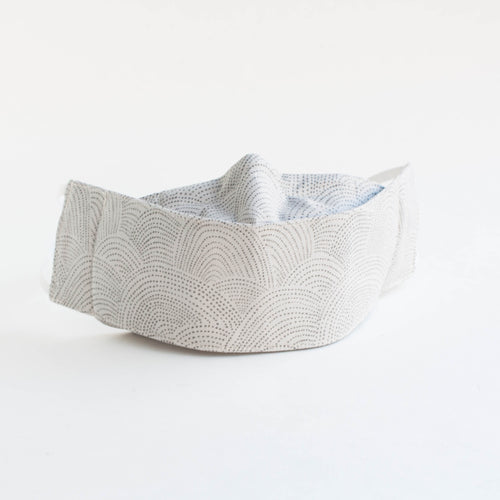 3D face mask - grey dots