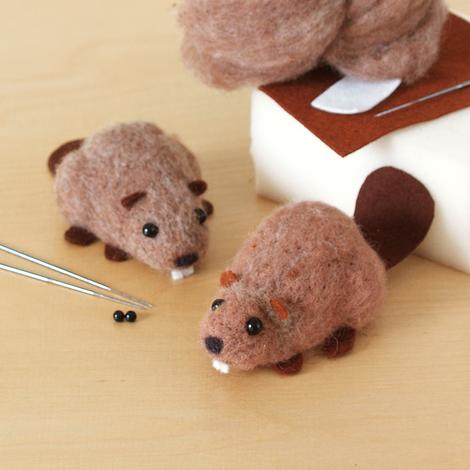 DIY needle felting kit: canadian beaver