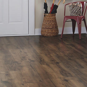 Mohawk - Revwood Chalet Vista Laminate - Chocolate Glazed Maple