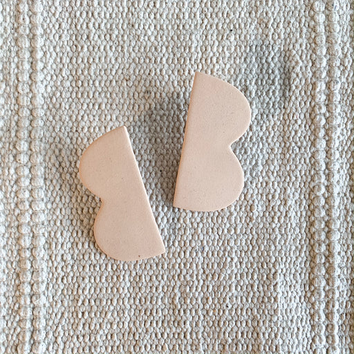 Bump Ceramic Earrings in Peach