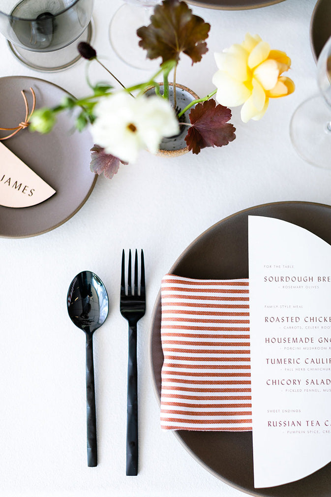 stripped napkin thanksgiving day table settings idea