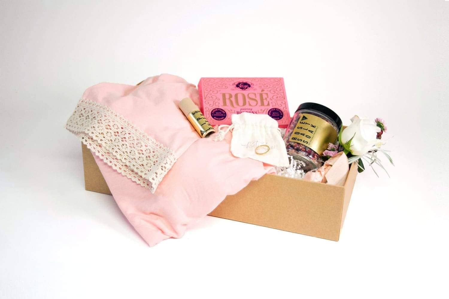 100 Layer Cake Bridesmaid Luxury Box