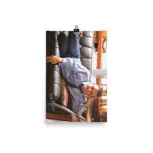 Poster Autographed Sean on Couch 18x12