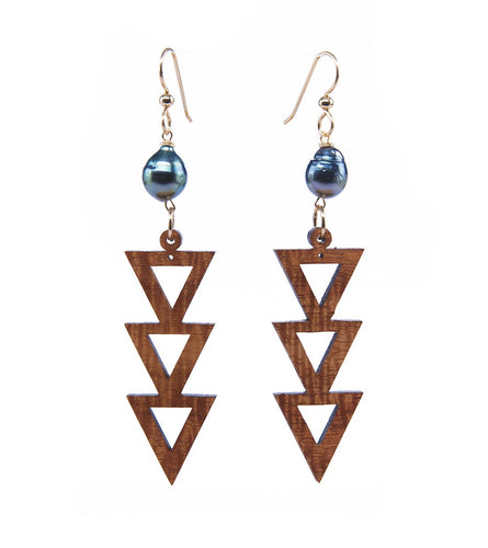 Koa Three Triangle Pearl Gold Earrings