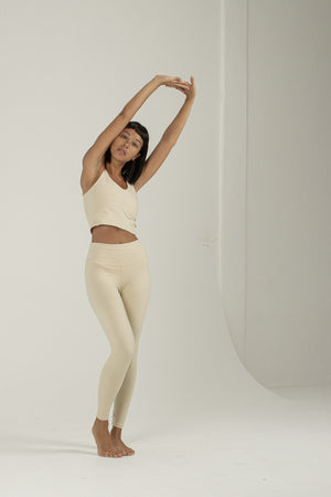 Load image into Gallery viewer, Woman standing, wearing Ananda Legging colour Gardenia