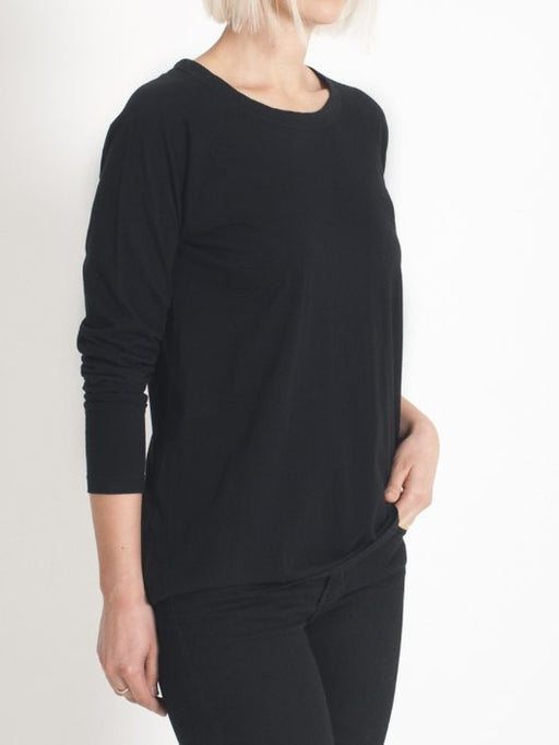 organic cotton long sleeve relaxed fit top in black