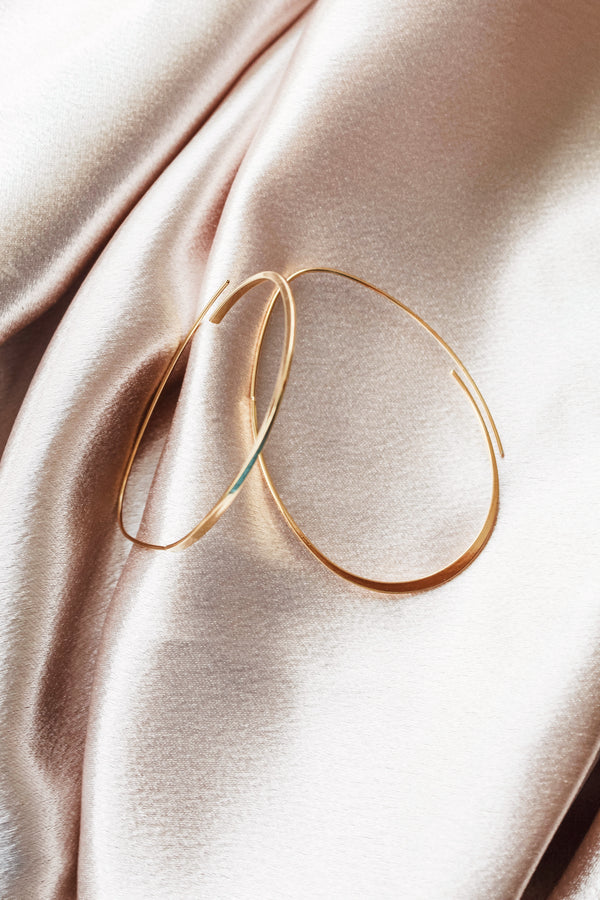 Modern 14K Gold Oval Hoop Earrings