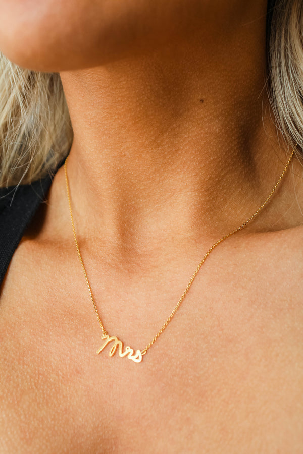 The Mrs. Gold Pendant Necklace