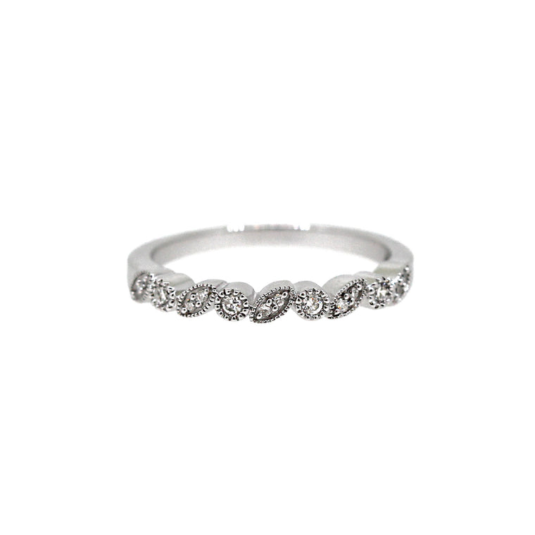 Leaf Circle Diamond Ring