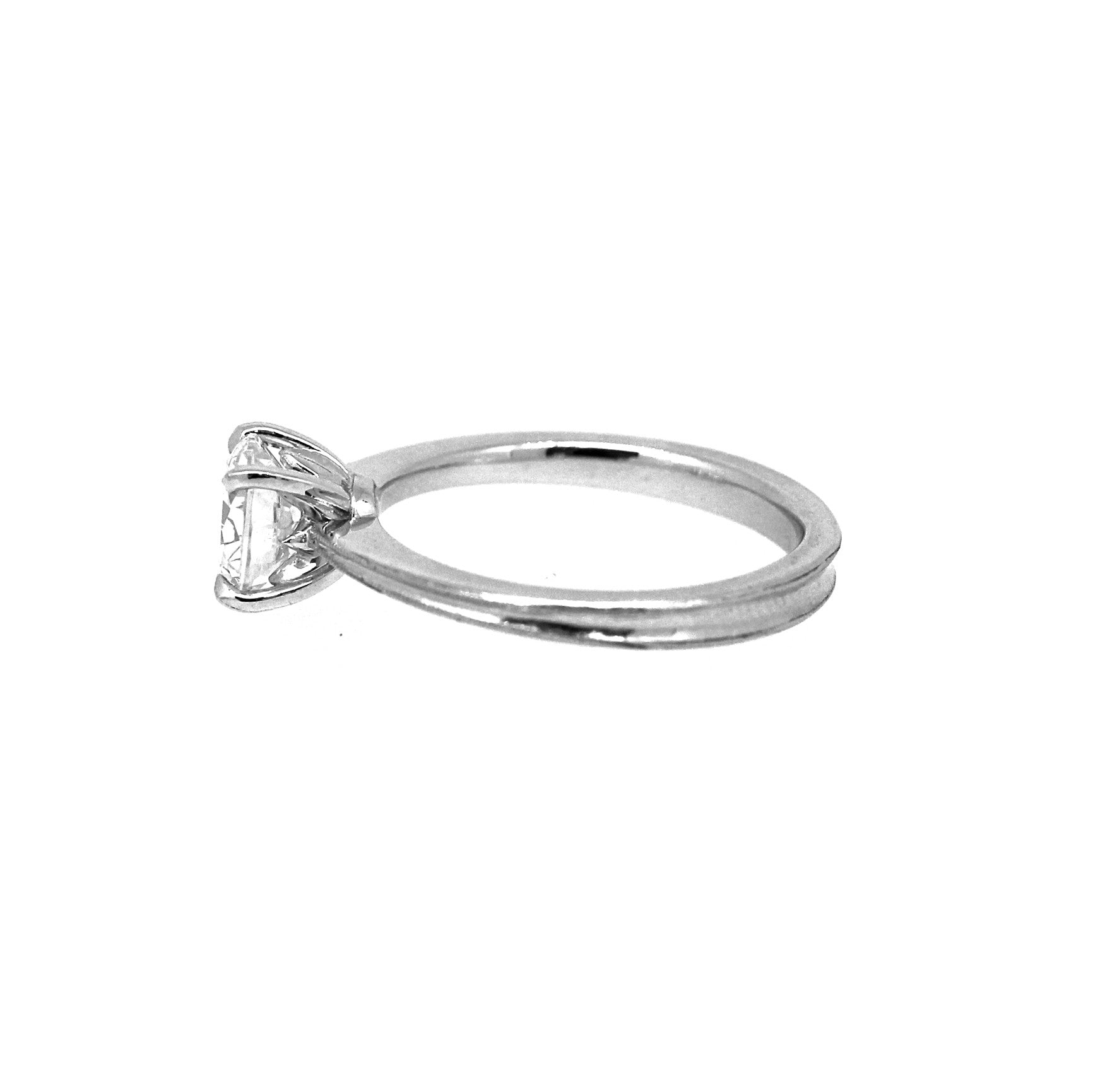 rings ct h engagement solitaire oval in gold ring diamond white