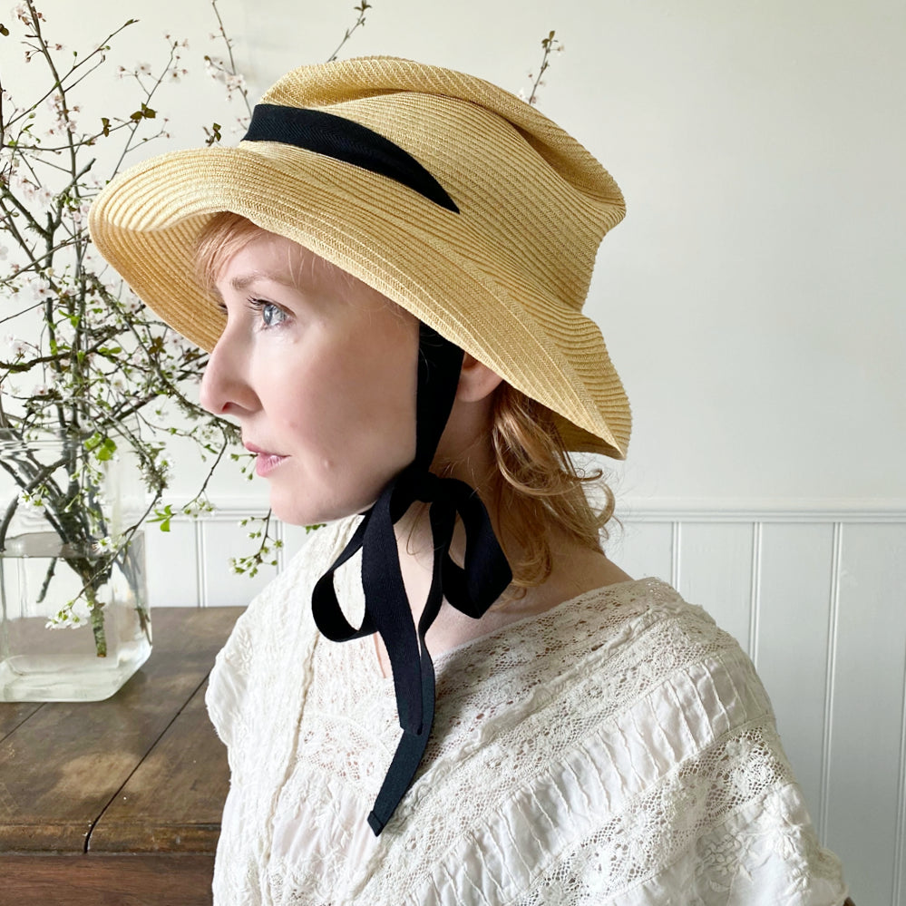 Mature Ha Boxed Hat With Garden Ribbon