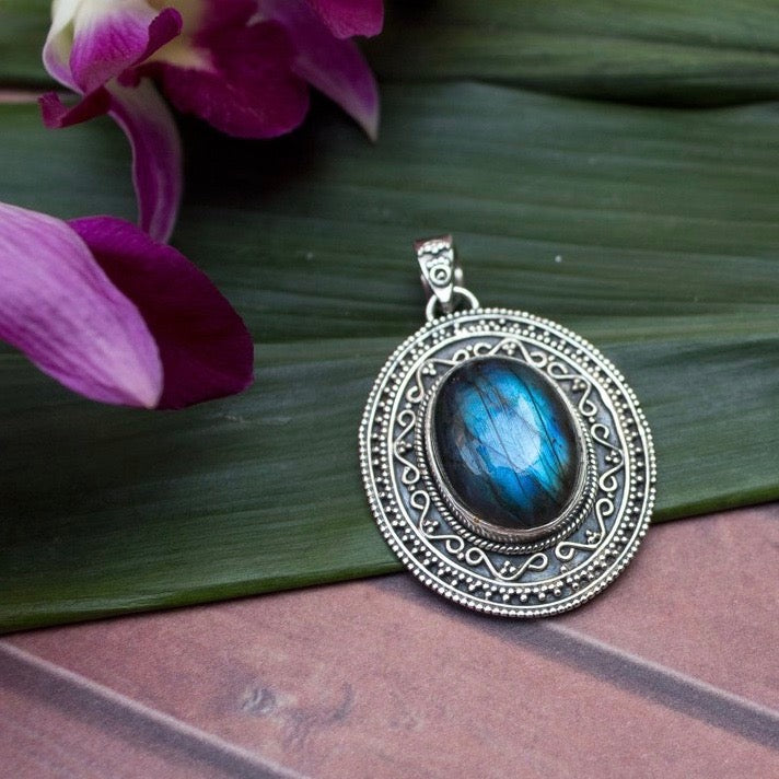 Sterling Silver Ethnic Labradorite Necklace