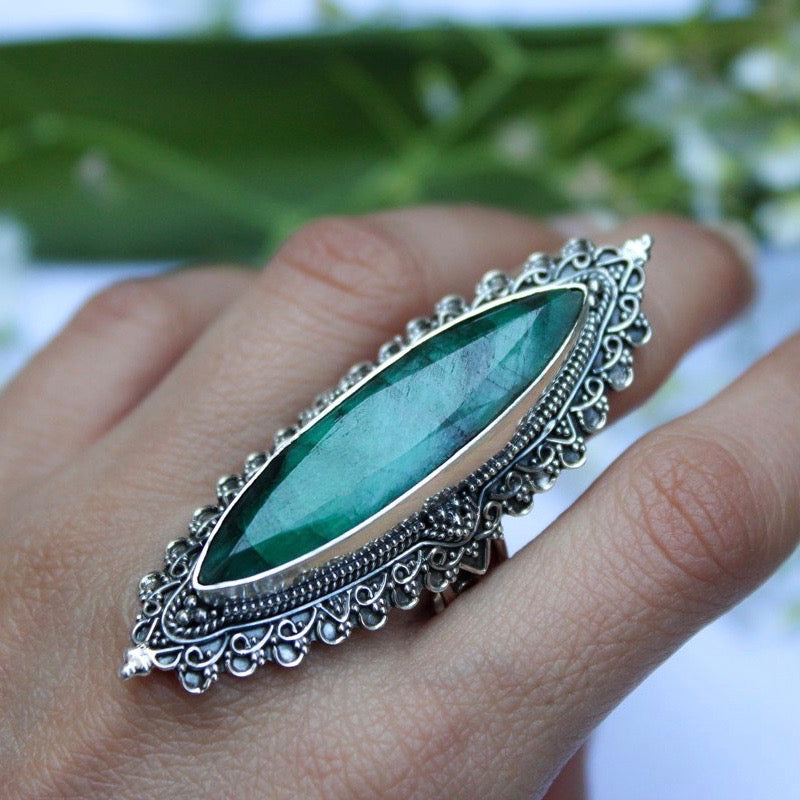 Indian Emerald Sterlng Silver Ring