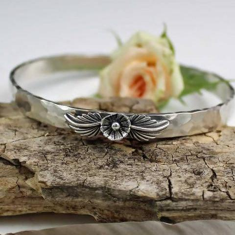BLOSSOM Hammered Bangle Sterling Silver Bracelet