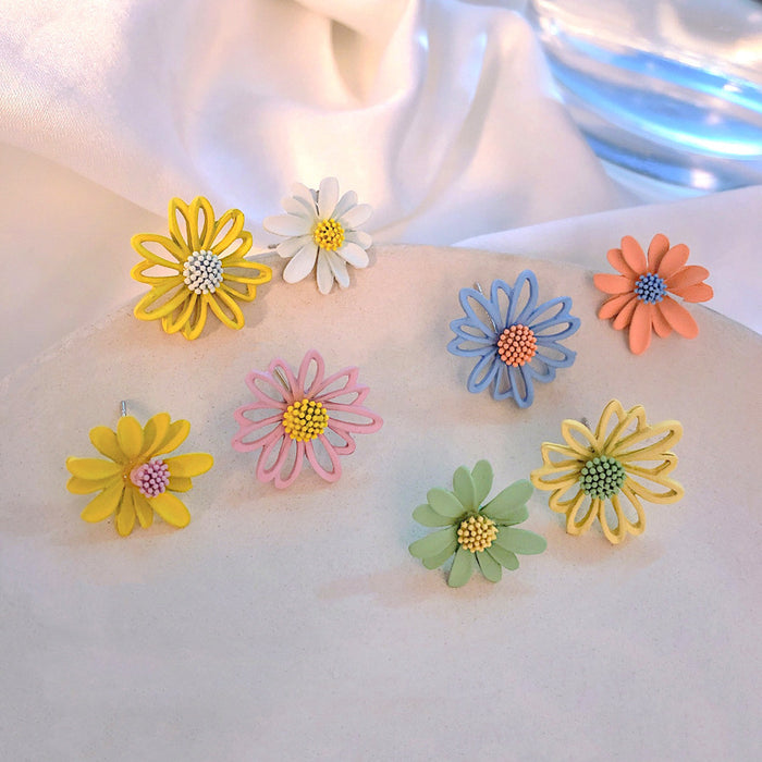 Girly heart small daisy earrings/small fresh and wild flower earrings