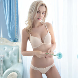 Smoothing Plunge Wirefree Bra