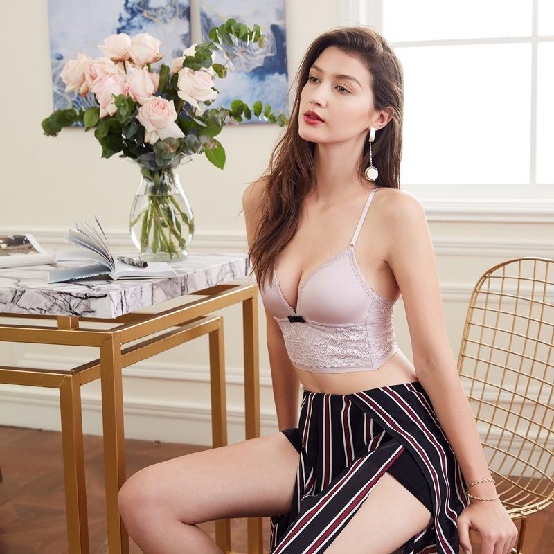 Cute Lacey Plunge Bralette And Panty Set  Sofyee-5290
