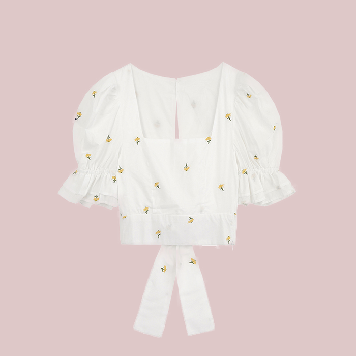 Girly puff sleeve shirt with bow embroidery