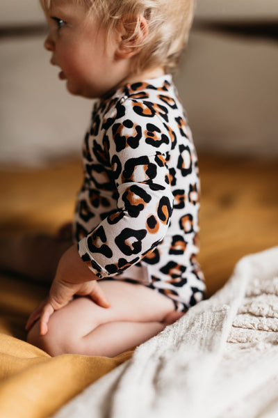 OiOi Bamboo Long Sleeve Bodysuit- Natural Leopard