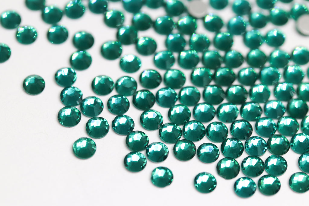 Emerald SS10 (Unicorn Lab Rhinestones)