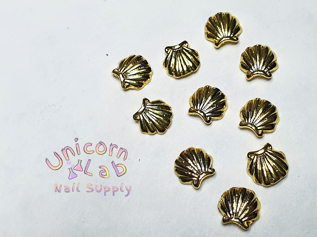 Gold shell curved charms x 10 pcs - Emerson Crystals