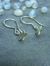 Hammered star silver dangle earrings - Arborea Jewellery