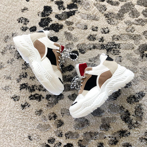 PAIGE-WHITE-SNEAKERS-SF1