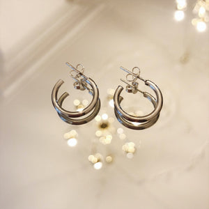 ELINEROSINA-MIDI-SILVER-HOOPS-EARRINGS-SF1