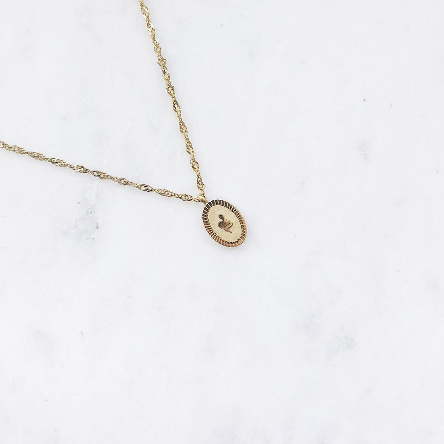 CHIARA-GOLDEN-NECKLACE-PF1