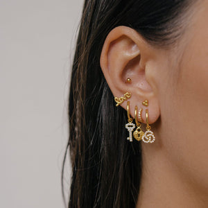 ER-LOVE-GOLD-EARRINGS-SF