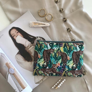 YEHWANG-JUNGLE-MAKEUP-BAG-SF1