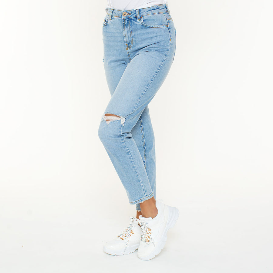 LICHTBLAUWE-MOM-JEANS-LEAH-PF1
