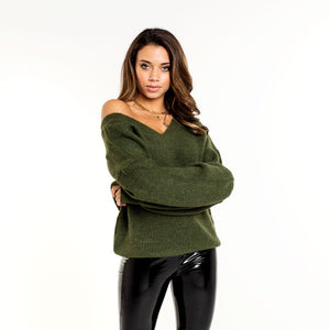 LOUA-ARMY-GREEN-KNIT-TRUI-MET-V-HALS-Olivia&Kate-SF1