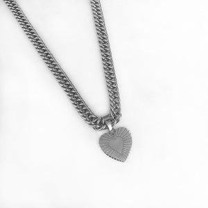 NYDIA-SILVER-NECKLACE-KETTING-HART-SF1