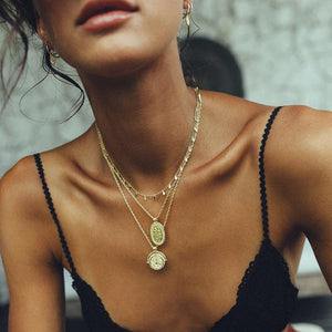 Ava Leaf Gold - Necklace