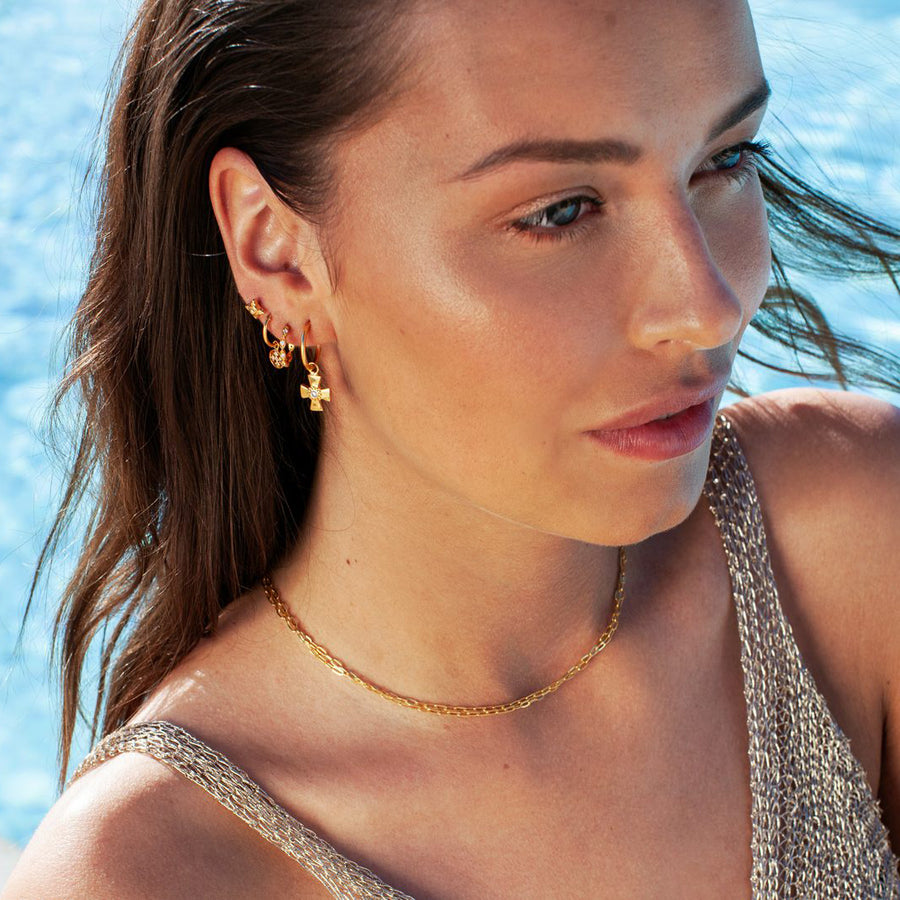 ER-CIRCLE-CROSS-GOLDEN-HOOPS-PF1