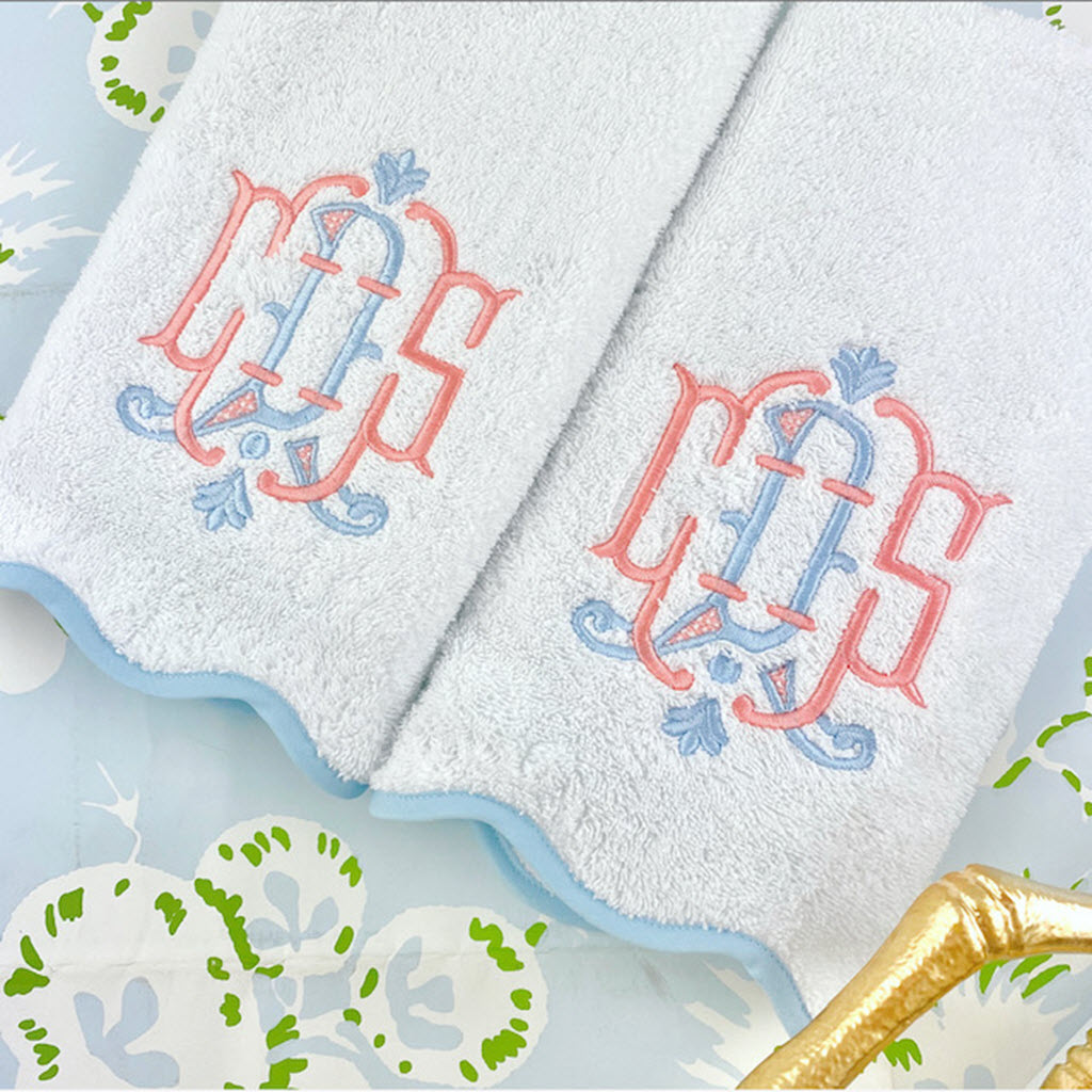 Scalloped Piped Border Bath Towels