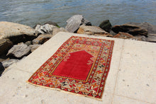 Turkish Prayer Rug - 3'2 x 5