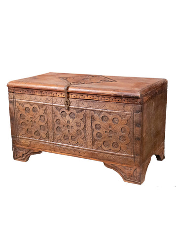 Hand-carved vintage wooden chest from Swat Valley. Features a floral design on the front and a matching blossom on the lid. In excellent condition, with no signs of wear.