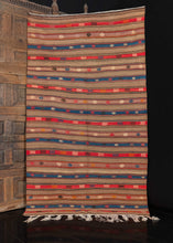 Vintage Turkish Kilim - 4'6 x 8'2