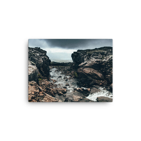 Image of Cliffs Canvas - CalvinMade