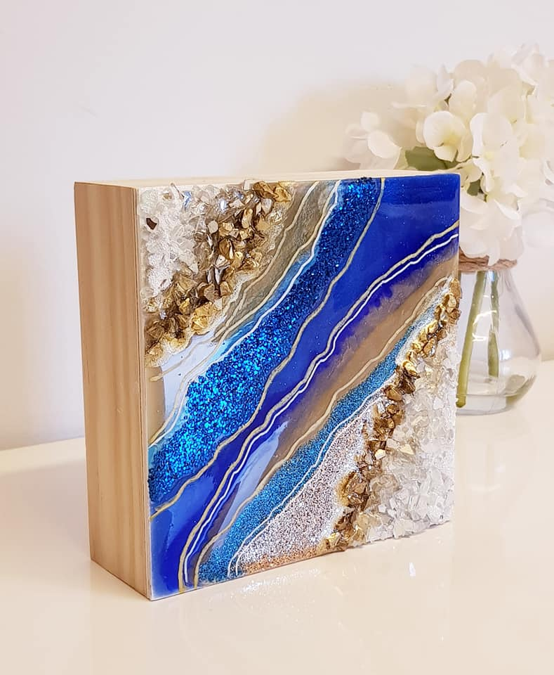 ILLUMINATED GEODE ART MINI - SAPPHIRE - CREMATION ASHES IN ART - see video.