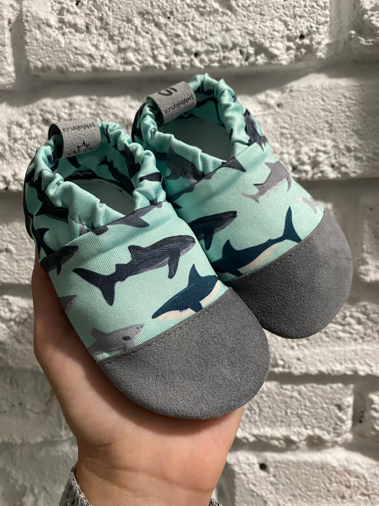 Water shoes - Sharks - Ready to ship