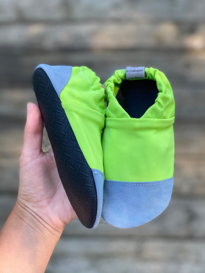 Water shoes - Lime