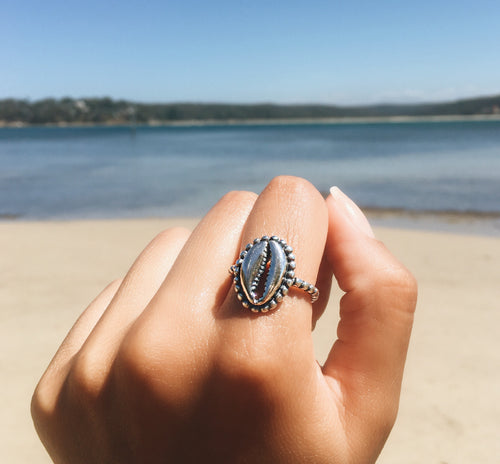 Cowrie Sea Shell Ring - Yarah Store